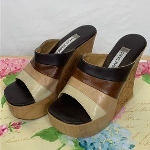 Steve Madden wedge heels size 5.5. Brown, tans